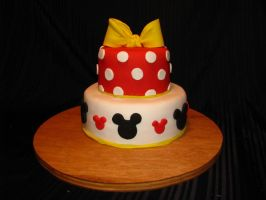 minnie mouse cake by KawaiiCostumer