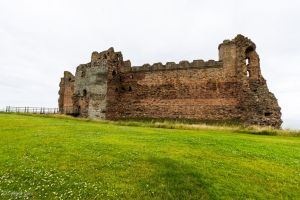 Arriving at Tantallon Castle by LordMajestros