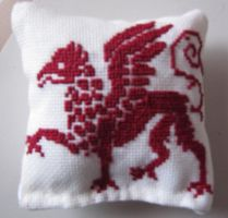 Griffin pillow by Mae-chan