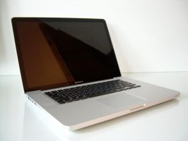 MacBook Pro by iAndrew