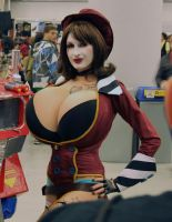 Maxed Out Moxxi by arianefan
