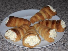 Cream Horns by Bisected8