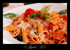 Penne with Tomatos and Parmesan by Higarts