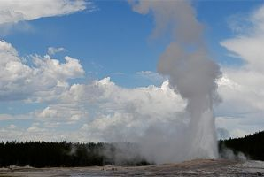Smaller blasts from Old Faithful by MNgreen