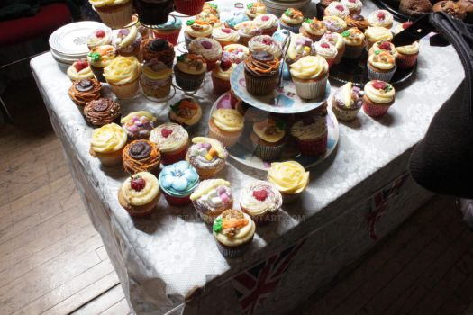 A cake load of cupcakes by ctamplin