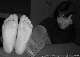 A Bit Zoom Face n Great Soles by SelfshotYourFeet