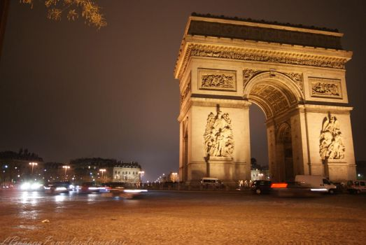 Arc de Triomphe by LBananaPancakes