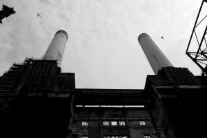 Battersea power station by DaRaPhotos