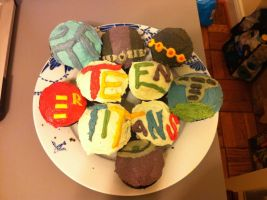 Teen Titans Themed Cupcakes by lulutetium