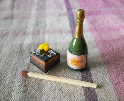 Cake and champagne by ALINAFMdotRO