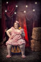 CIRCUS GROTESQUE : The Pretty Dolly by danielescale