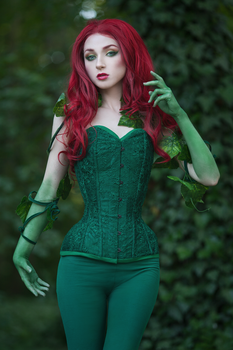 Poison Ivy by absentia-veil