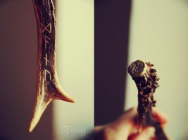 Danu antler carving by TwigsCorner