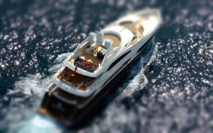 Tlit-Shift Yacht by MowCroft