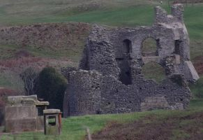 Pennard Castle by nonyeB
