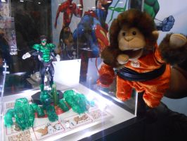 Avarice Monkey checking out the puny Green Lantern by pa68