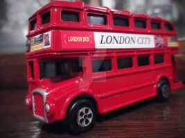 London Bus by Sk1zzo