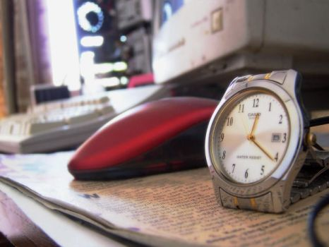 my watch and pc behind by afumado