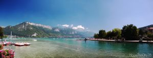 Annecy's lake by KaosTheOry78