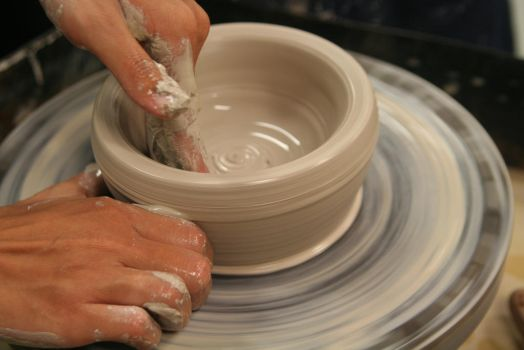 The Potter's Hands by helenavampire