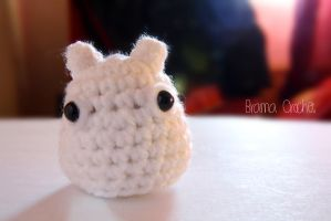 Mini White Totoro crochet amigurumi -Studio Ghibli by BramaCrochet