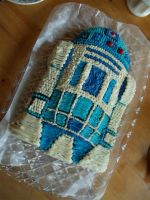 R2D2 birthday cake by estranged-illusions