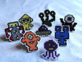 Funky Alien Decorative Thumbtacks by agorby00