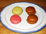 Coffee, pear and raspberry macarons by Gallerica