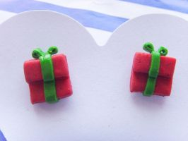 Christmas Present Studs - Red by tyney123