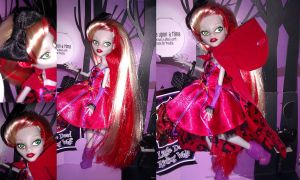 Monster High Custom, Ghoulia Hood by simplysteffie