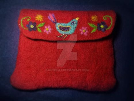 Felted pouch by Neyrelle