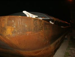 041 - Rusted Hull by flostock