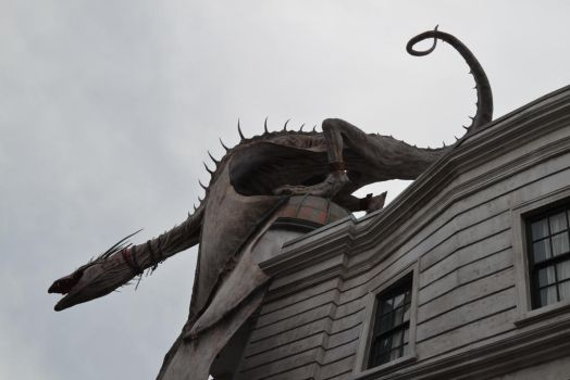 Dragon Atop Gringotts by Poppehtart
