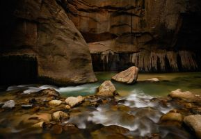 Zion Narrows by Rhavethstine