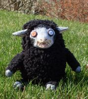 Emerald the zombie sheep by Wollfisch
