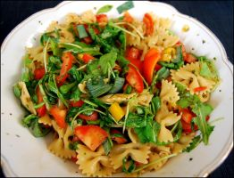 Pasta and Salad by baerin