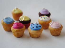 Cupcake Charms by ClayRunway