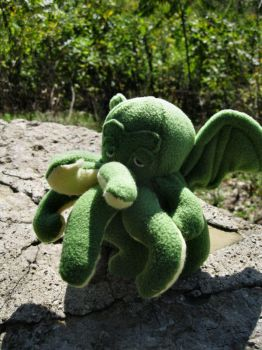 The Great Plushthulu by pootsinboots