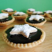 12 Days of Christmas :: 10 Chocolate Ganache Tarts by cakecrumbs