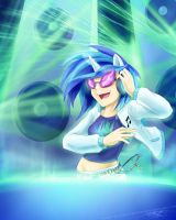 Vinyl Scratch Rave by slifertheskydragon