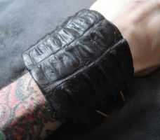 Silicone reptile cuffs by missmonster
