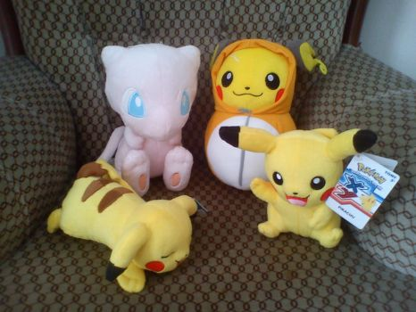 My Plushie collection by pintodemiranda
