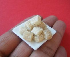 Miniature Rice Krispies Treats by tinytable
