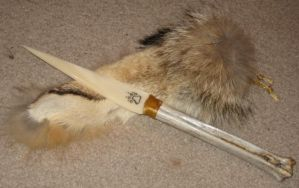 Coyote paw bone knife 1 by lupagreenwolf