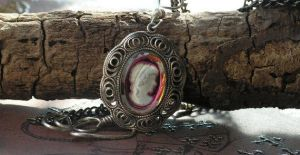 Vintage Cameo Necklace Igliato by artistiquejewelry