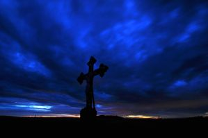 Night cross by tomsumartin