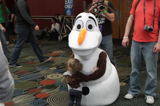OLAF! Being the best friend! This melted my heart! by xiaonwa
