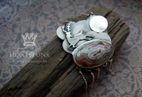 Pendant Full Moon by honeypunk