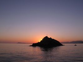Island by night by scubapic