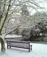 A Picturesque Snowy Seat by Green-Mirage